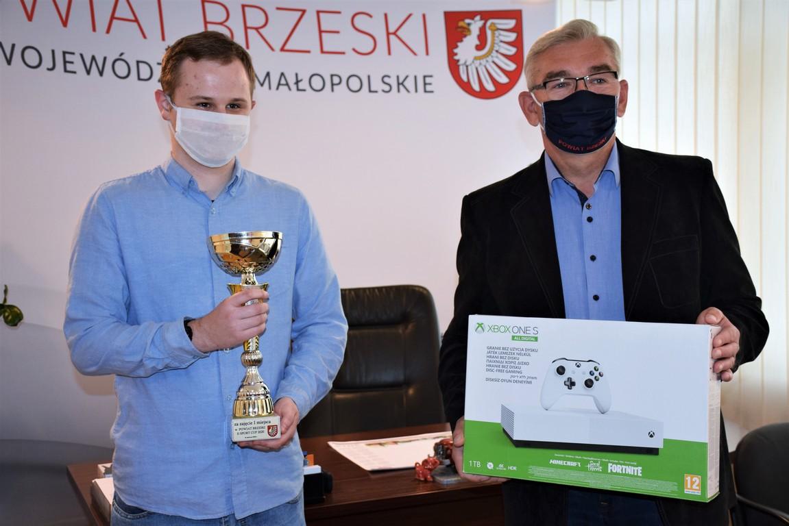 zwycięzca powiat brzeski e-sport cup 2020