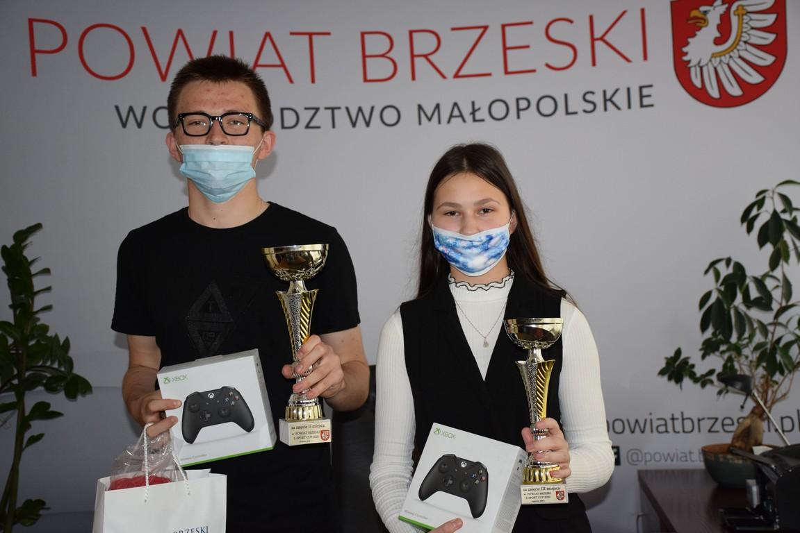 zdobywcy drugiego i trzeciego miejsca w e-sport cup powiat brzeski 2020